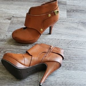 Unlisted Kenneth Cole Boots Heels Booties EUC